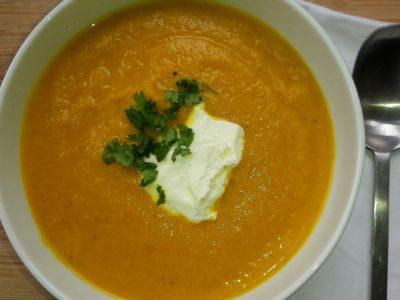 wortelsoep met currypasta