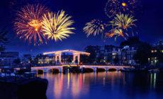 Vuurwerk over de Magere brug (Fireworks over the Magere Brug)