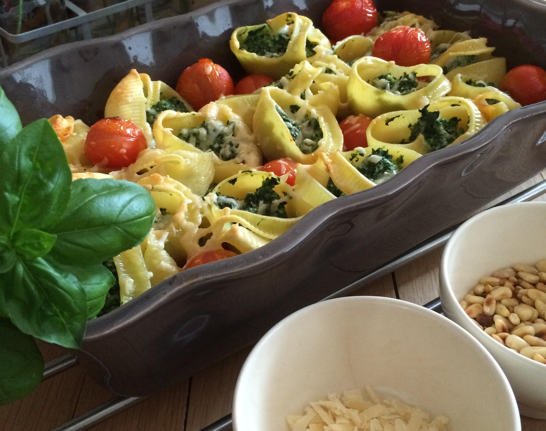 pastaschelpen gevuld met spinazie